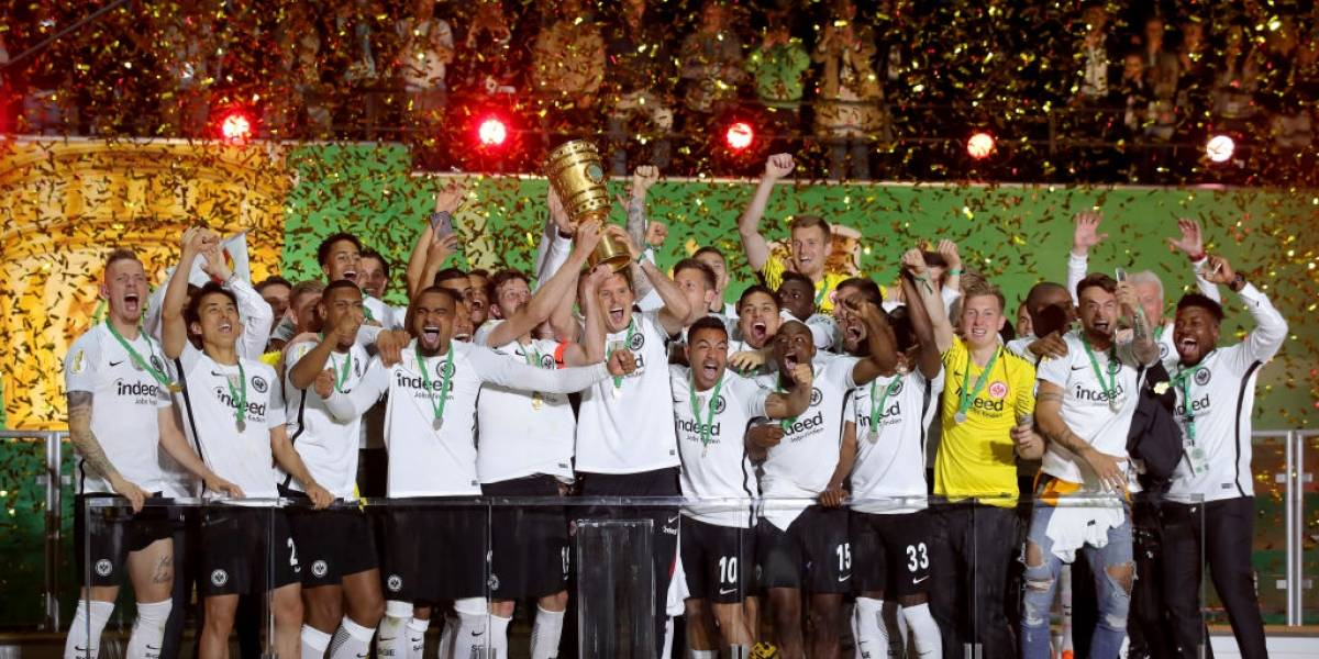 Vidal sufrió otro golpe con su Bayern al perder la final de la Copa de Alemania