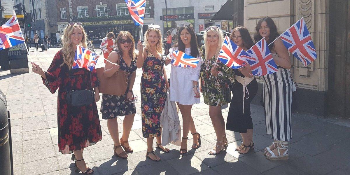 Londres brinda por la boda de Harry y Meghan