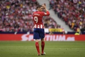 Torres le aplaude a la afición del Atlético