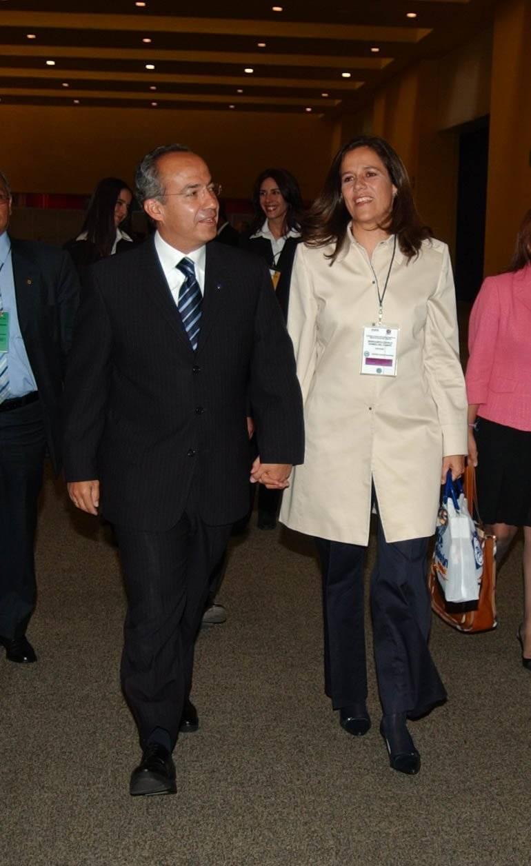 Felipe Calderón candidato presidencial por el PAN a su arrivo en el interior de las instalaciones del World Trade Center, Foto: Cuartoscuro