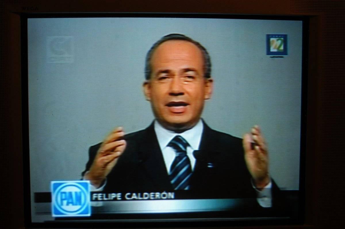 Felipe Calderón Hinojosa, candidato presidencial del PAN durante su participación en el segundo debate Foto: Cuartoscuro