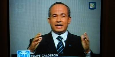 Felipe Calderón Hinojosa, candidato presidencial del PAN durante su participación en el segundo debate