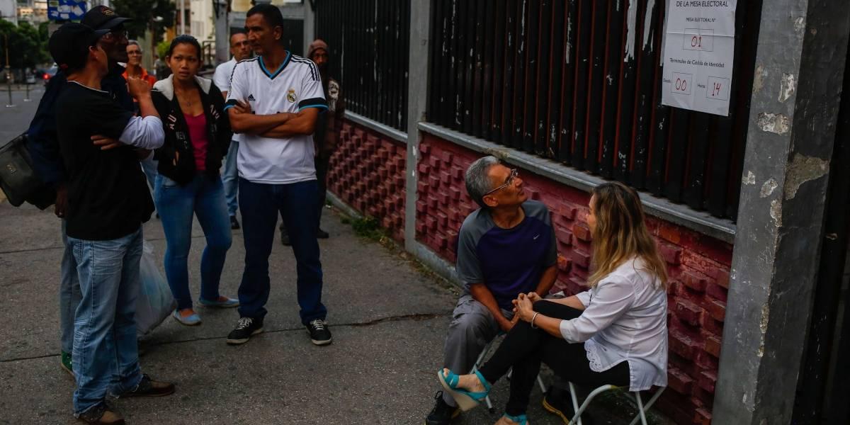Pese a que las calles están vacías, gobierno venezolano dice que ya votaron más de 2 millones de personas