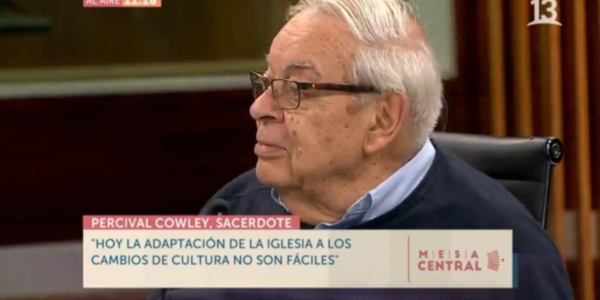 """""""El Papa debe llevarse de Chile al nuncio"""", declaró el cura que se enfrentó al cardenal Errázuriz por caso Karadima"""