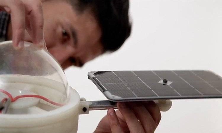 Moisés Venegas, creador de la lámpara sustentable