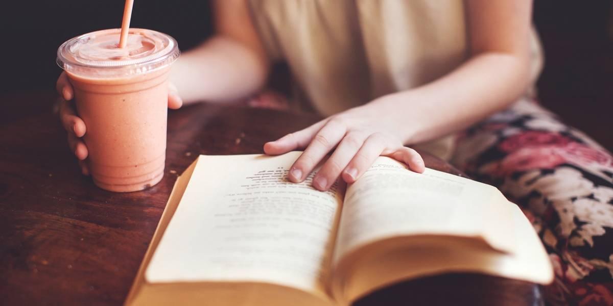 Mulheres na zona norte trocam serviço doméstico por leitura