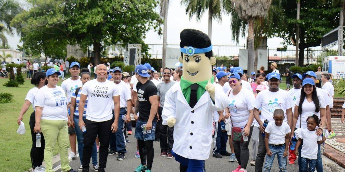 Realizan 'Primera Caminata por la Salud'