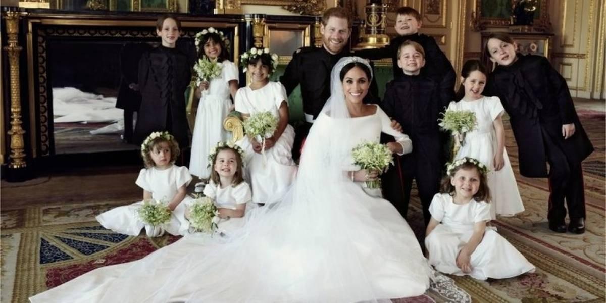 El príncipe Harry y su esposa Meghan Markle publican los retratos oficiales de su boda