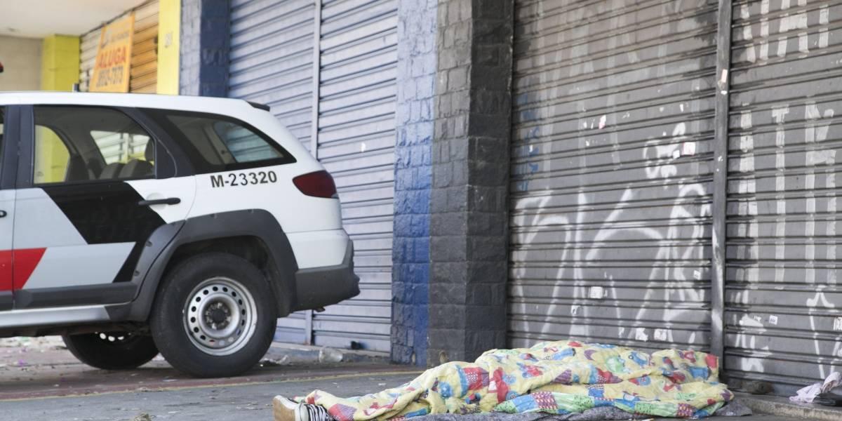 Dois moradores de rua morrem durante a madrugada fria de SP