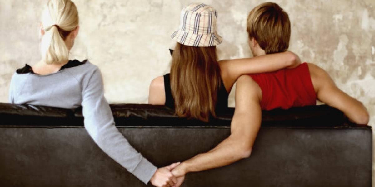 Hombre descubre infidelidad de su esposa y lo publica en redes