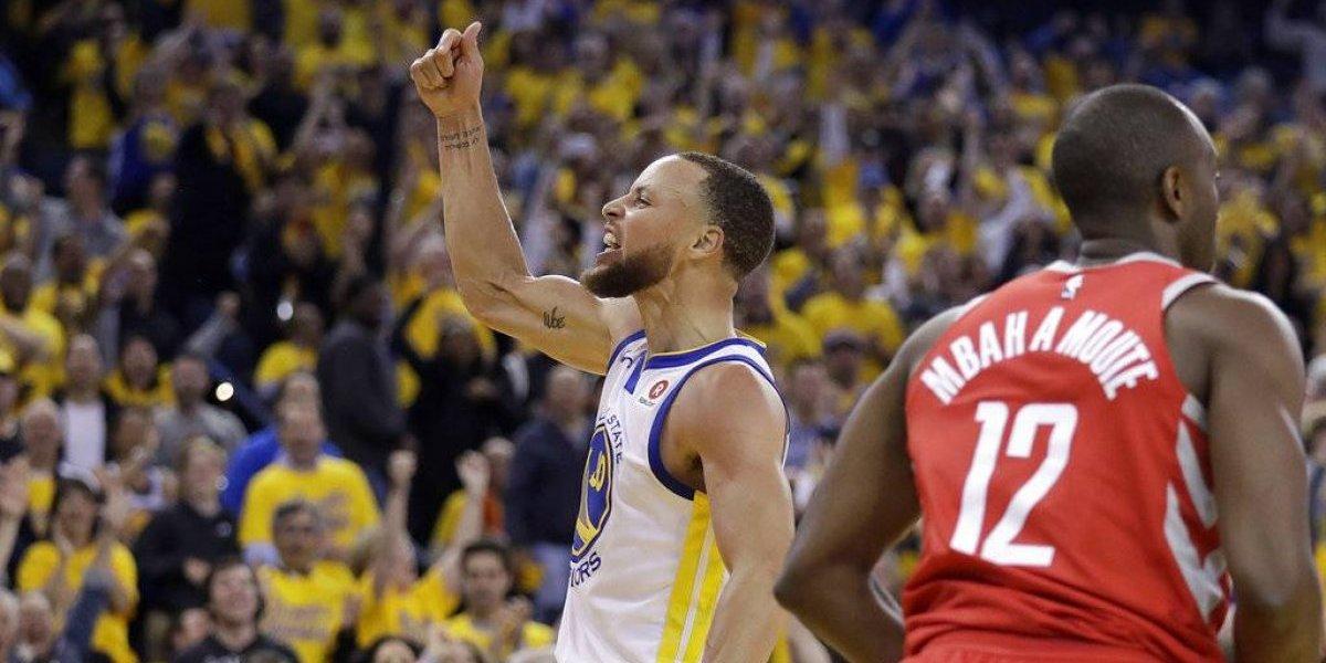 Warriors aplastan a los Rockets por 41 puntos