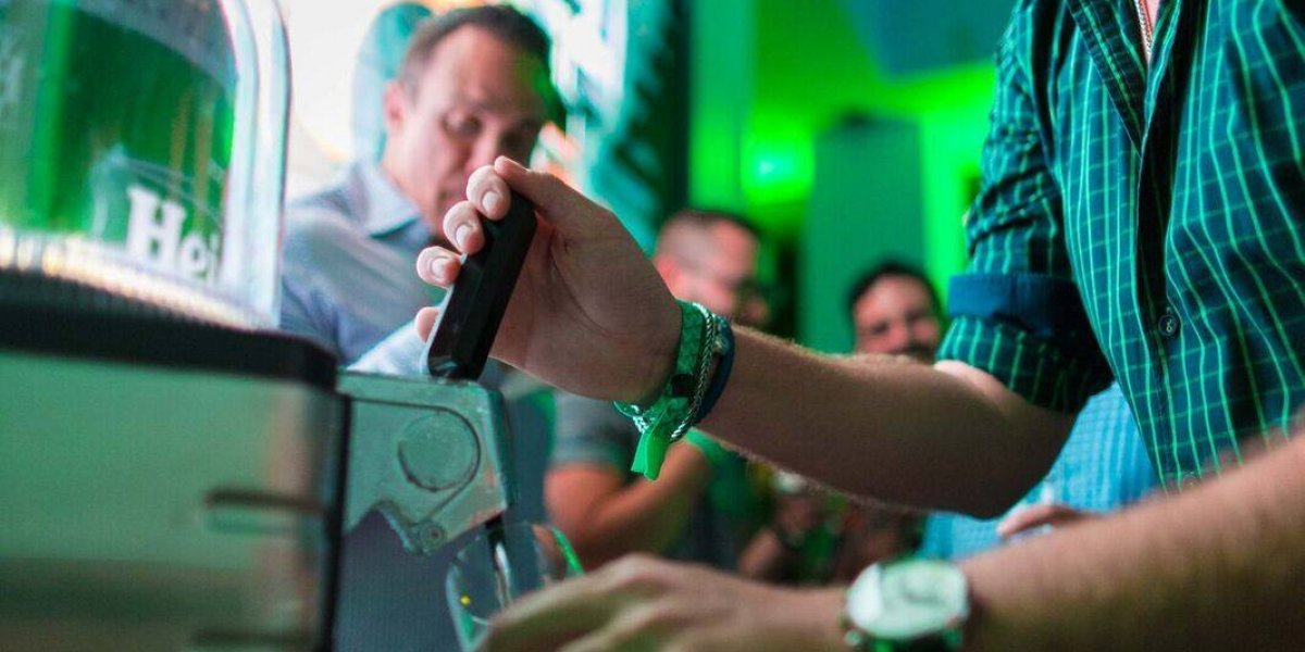 Heineken presenta sistema de servido de cerveza de barril BLADE