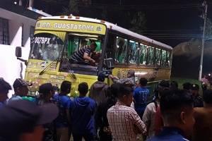 Bus de Guastatoya destrozado