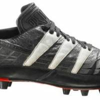 Los Adidas Predator llegaron en 1990