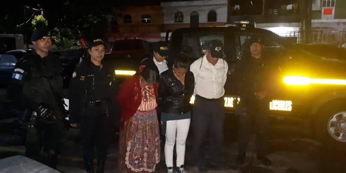 Detenidos tras ser sorprendidos dando licor a menores en Villa Nueva
