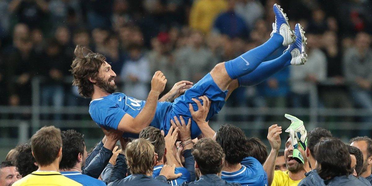 Arturo Vidal fue parte de la emocionante despedida de Andrea Pirlo en Milán