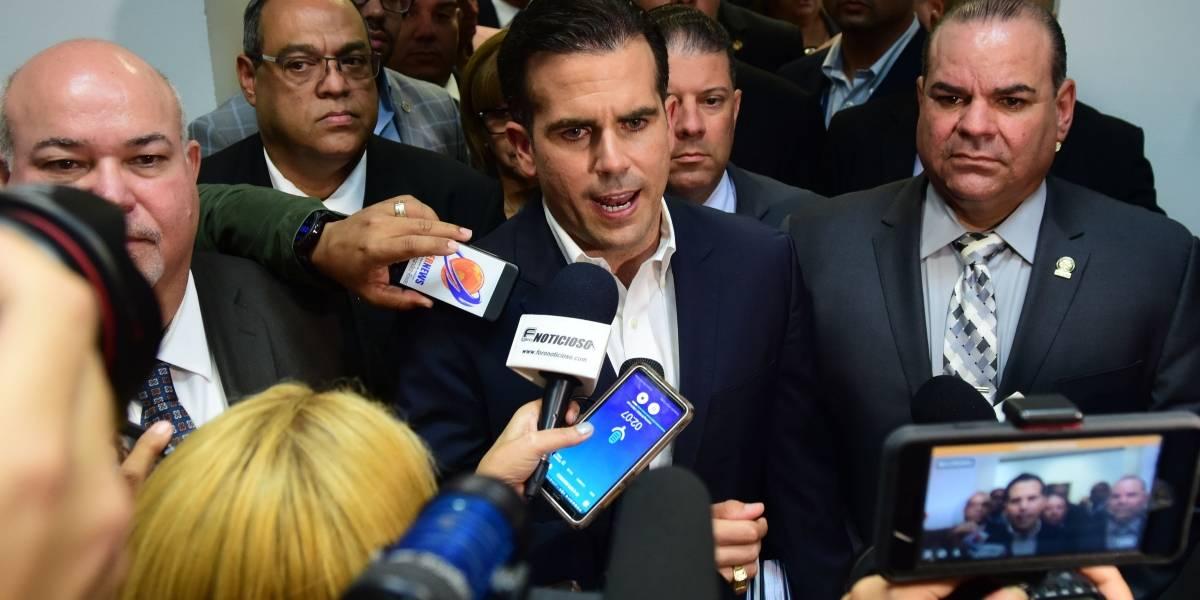 Bloomberg reseña la compra de la guagua blindada para Rosselló