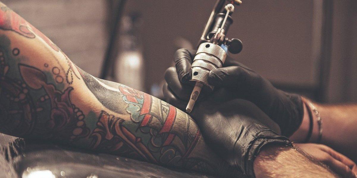 Buscan proteger a personas tatuadas