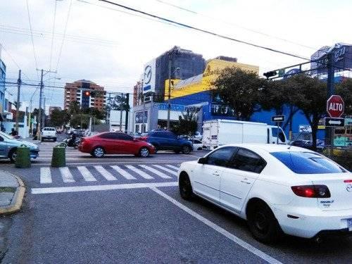 nuevo semáforo bulevar Los Próceres y 10ª avenida zona 10