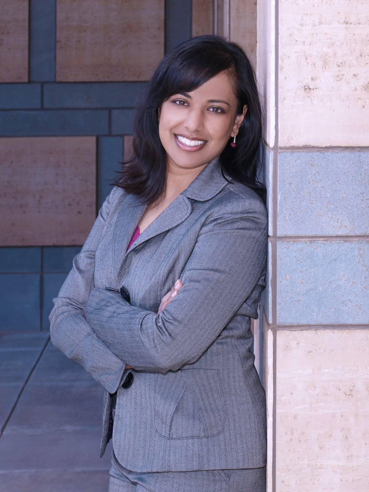 Dr. Amaal Starling, profesor asistente de Neurología, Clínica Mayo, Arizona