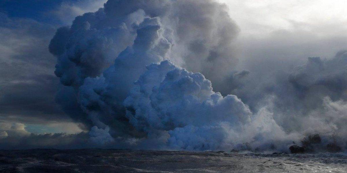 FOTOS: Lava del Kilauea llega al mar y crea nube tóxica