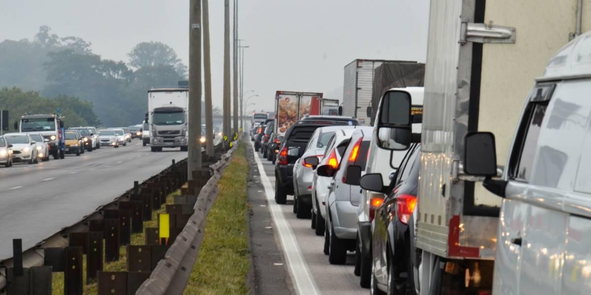 Quais carros podem passar pelo bloqueio dos caminhoneiros e quais estão sendo bloqueados