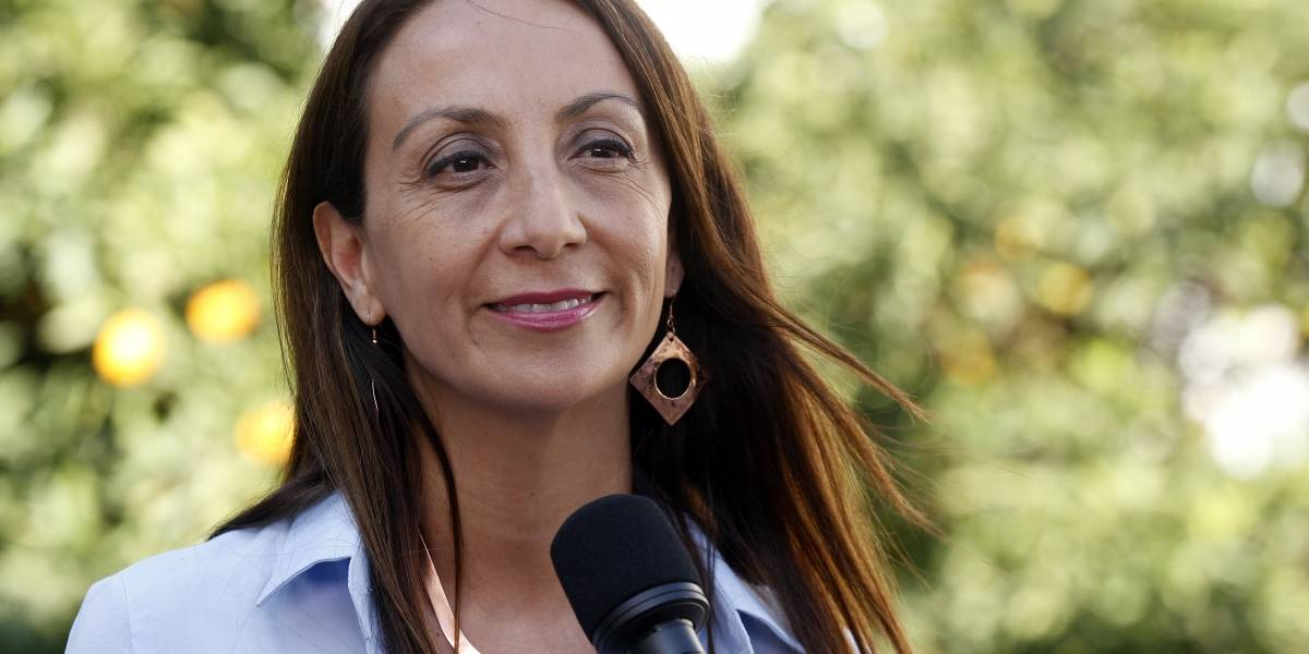 """Ministra vocera de Gobierno: """"el alcalde Jadue y el senador Navarro son fuertes defensores de Maduro"""""""