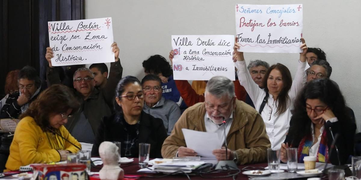 Concejo Municipal de Valparaíso aprobó propuesta de Sharp: altura máxima de construcción en los cerros será de 12 metros