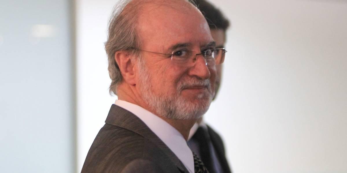 Eduardo Azeredo já é considerado foragido pela Justiça de Minas