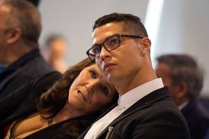 Mãe de Cristiano Ronaldo revela que tentou abortar o jogador