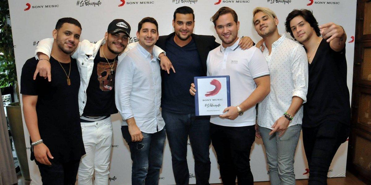 Lo Blanquito firman contrato internacional con Sony Music