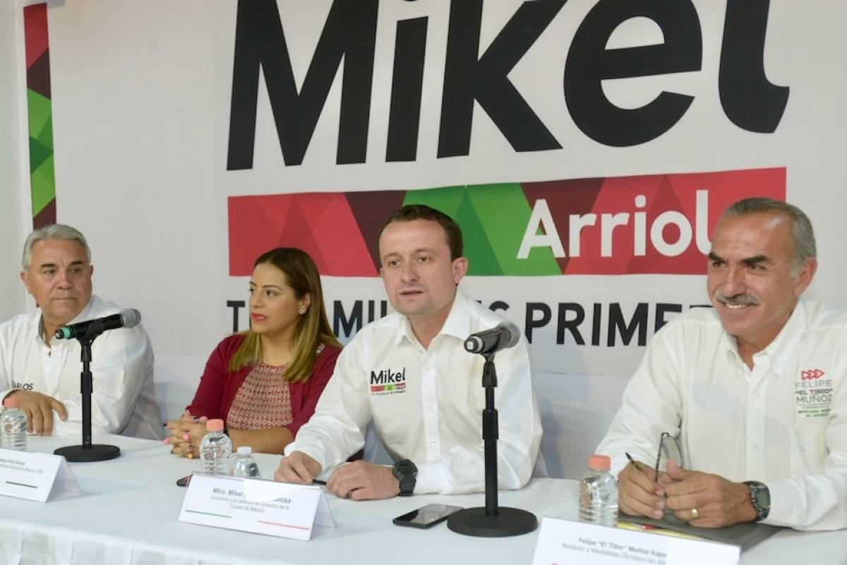 Mikel arriola traer a de regreso a cdmx los jo de 2032 - Mikel lopez iturriaga novio ...