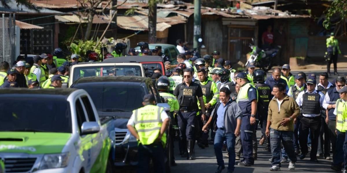 Representantes de taxistas que operan sin autorización se reunirán con alcalde de Mixco