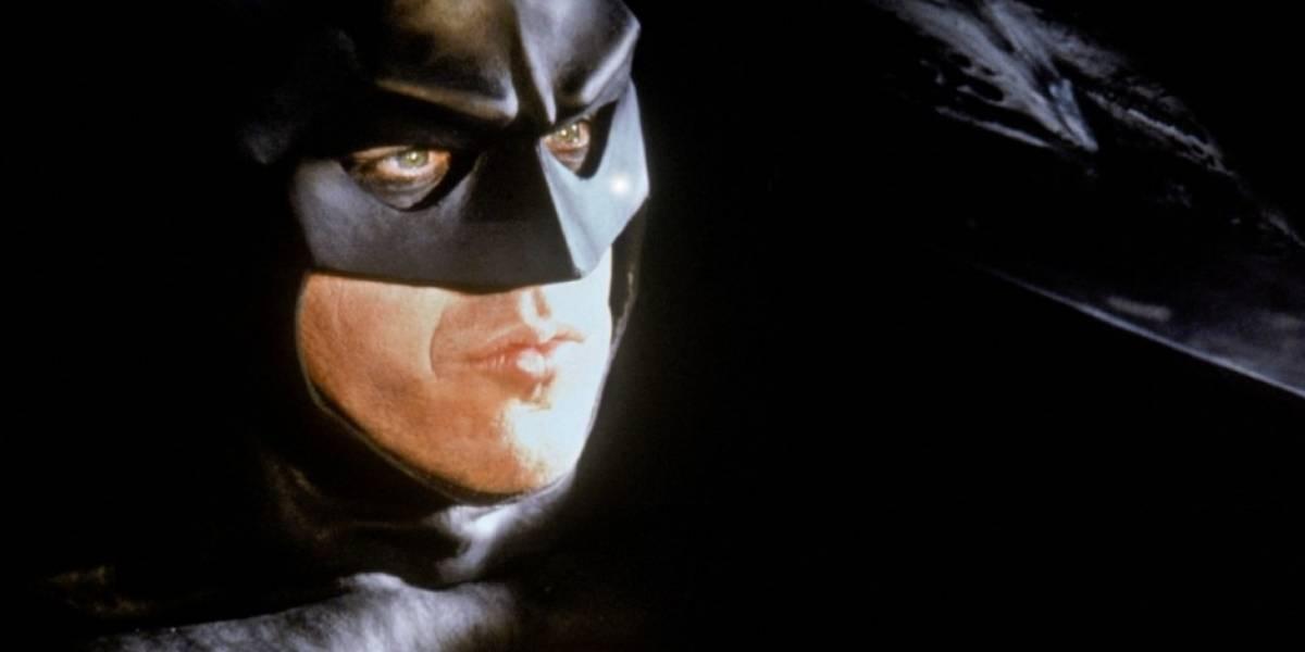 Eu sou o Batman, diz Michael Keaton durante discurso para formandos em universidade