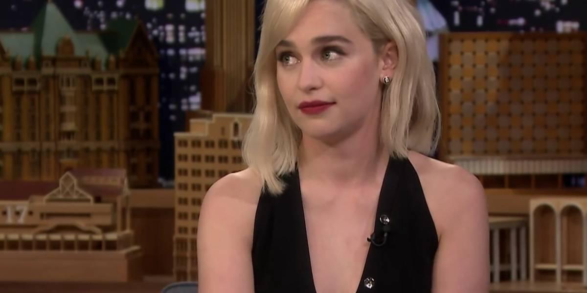 Emilia Clarke conta que deixou de ver o próprio filme para assistir ao casamento real