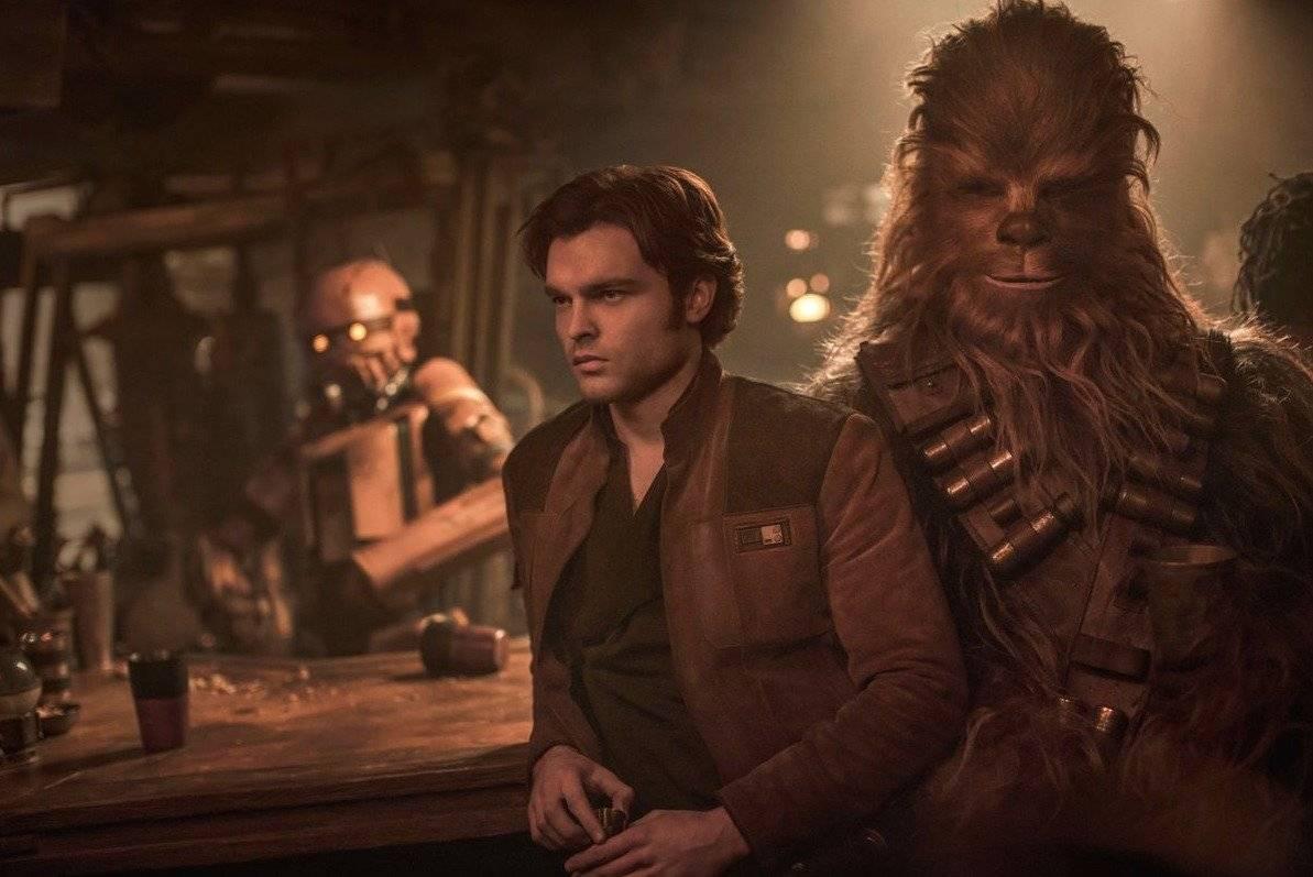 """Alden Ehrenreich interpreta a Han Solo, y Joonas Suotamo, a Chewbacca, en """"Solo: A Star Wars Story"""". Foto: Lucasfilm"""