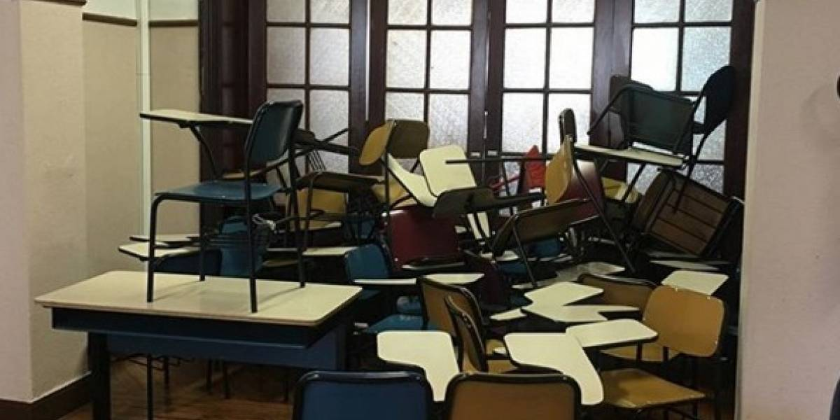 PUC-SP é fechada por causa de protesto de estudantes