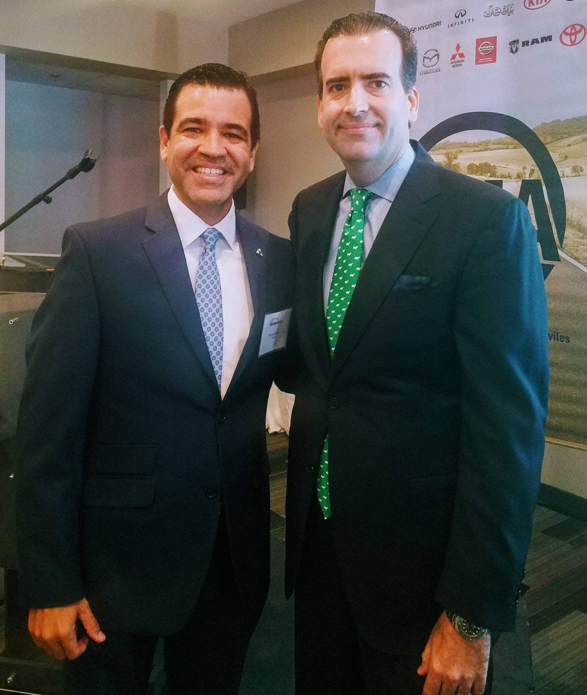 Ricardo García, presidente de GUIA y José Carrión, presidente de la Junta de Control Fiscal.