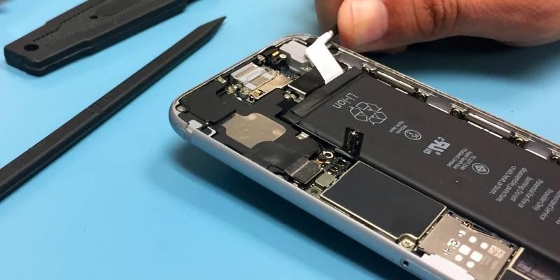 ¿Cambiaste la batería de tu iPhone durante el 2017? Ojo, Apple te quiere devolver el dinero