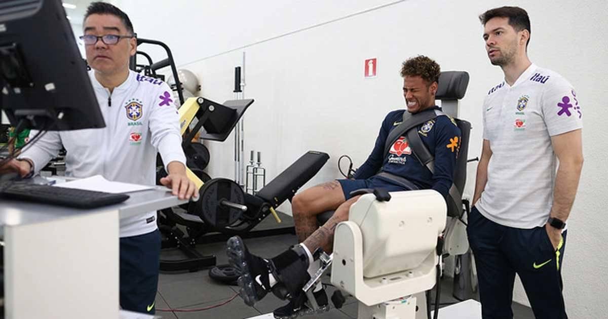 Neymar faz teste de tração com aparelhos na Granja Comary Lucas Figueiredo/CBF