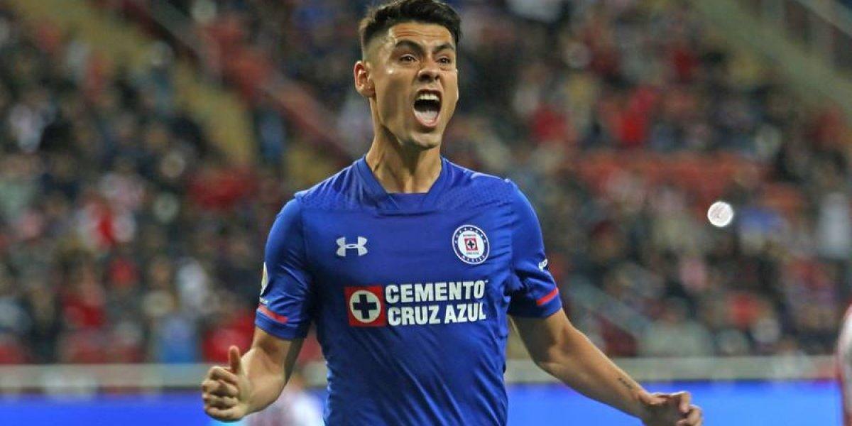 Pumas oficializa a Felipe Mora como refuerzo