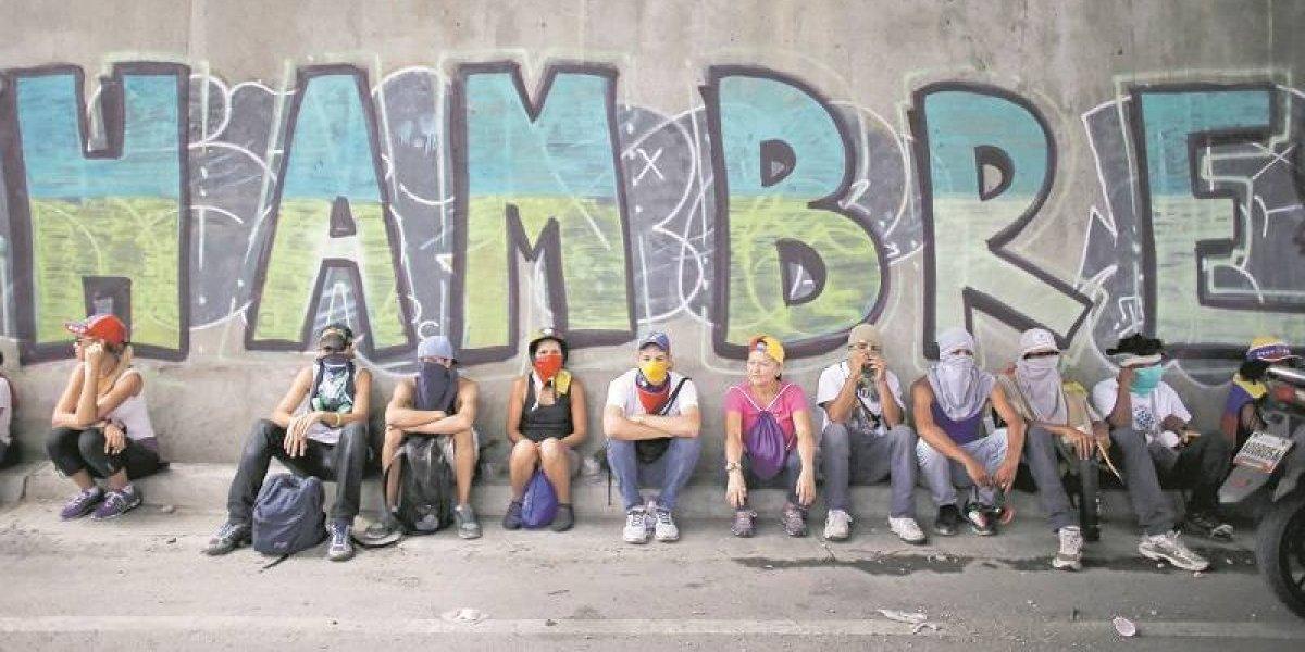 """""""¿Creen que los venezolanos queremos vivir así?: Desgarrador video de Capriles"""