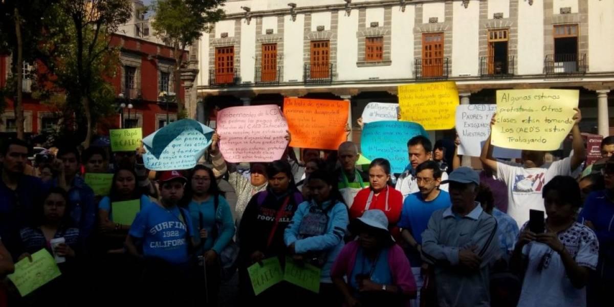 SEP adeuda salarios de 4 meses a mil 500 maestros de alumnos con discapacidad