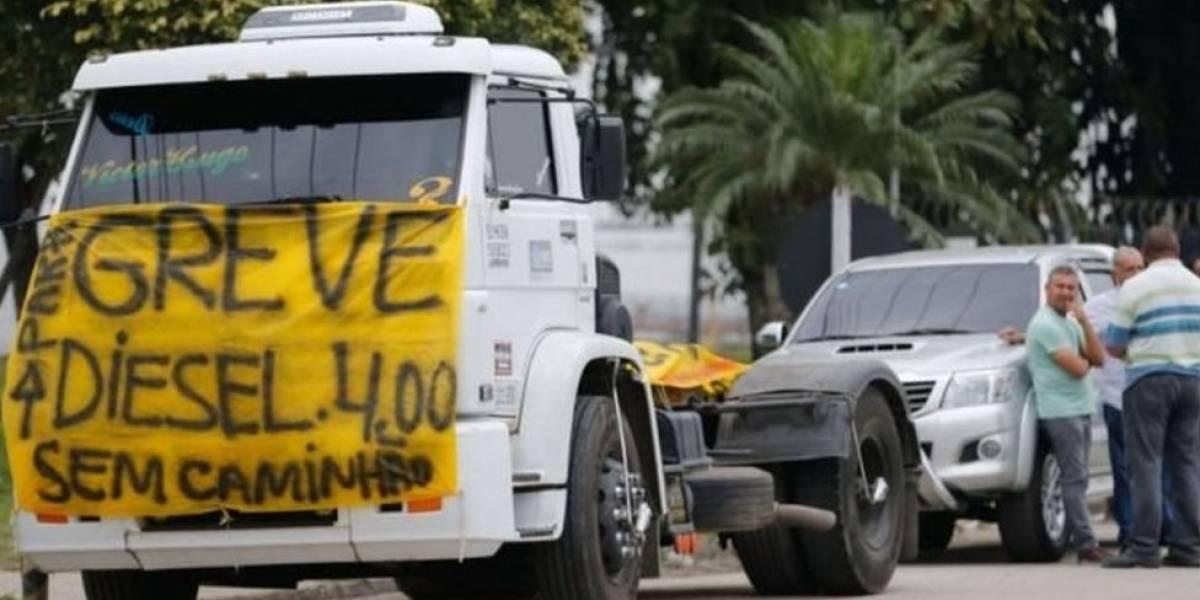 Grupos pró-intervenção militar tentam influenciar rumo de greve dos caminhoneiros