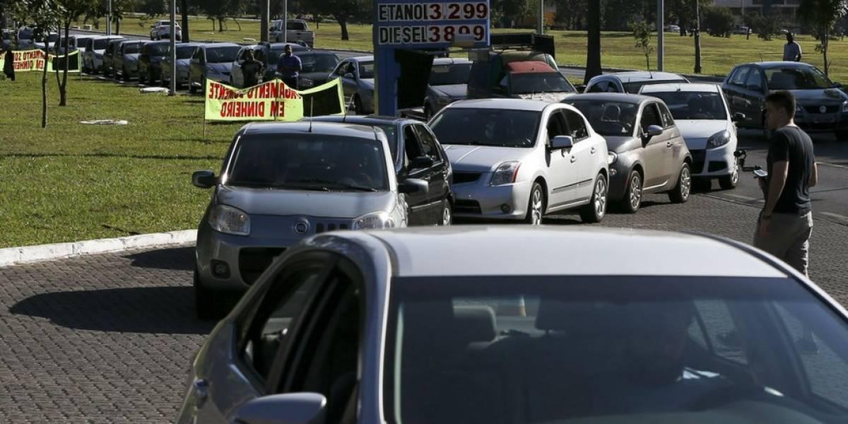 'Estoquem comida, abasteçam seus carros': notícias falsas alimentam pânico em meio à greve de caminhoneiros