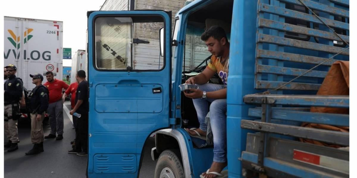 Por que o Brasil depende tanto do transporte rodoviário?