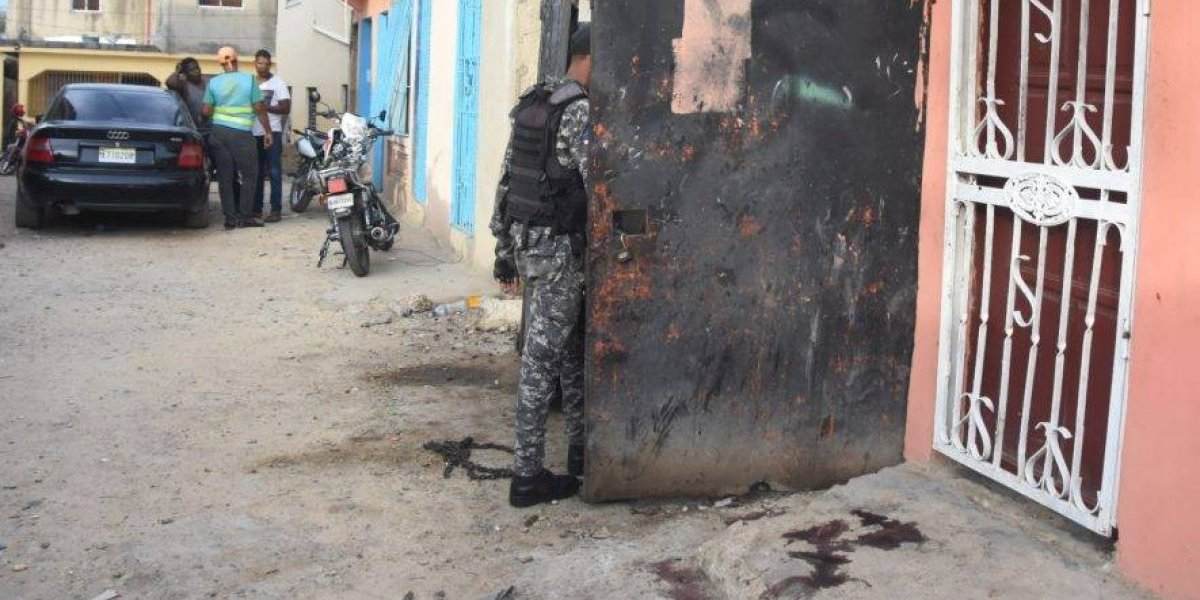 Detienen a policía acusado de muerte de tres personas por parqueo en La Toronja