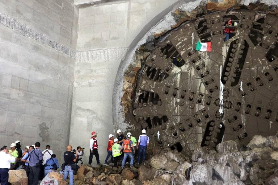 Las autoridades informaron que el desmantelamiento de la tuneladora demorará un mes. FOTO: Héctor Escamilla