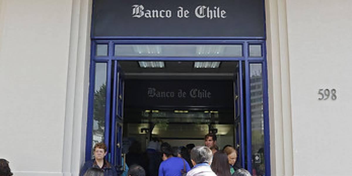 """""""Línea de Sobregiro Pactado"""": más de 140 mil personas recibirán US$30 millones de compensación del Banco de Chile por cobros indebidos"""