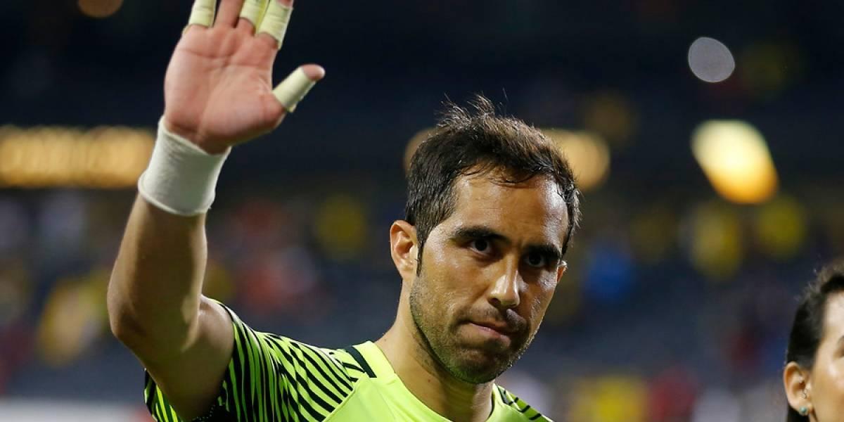 """""""A seguir contribuyendo al fútbol chileno"""": el saludo de Claudio Bravo a la U por sus 91 años"""